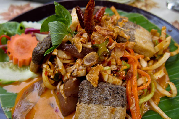 Banana Flower Salad. Image courtesy Never Ending Voyage.