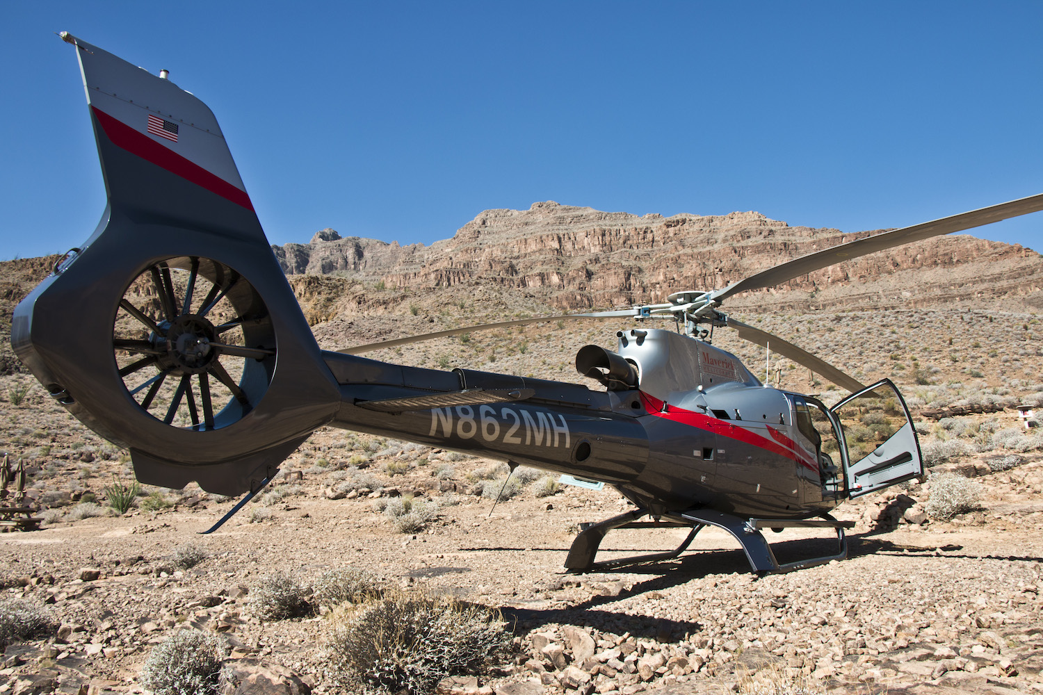 grand canyon helicopter tour diaries of wanderlust. Black Bedroom Furniture Sets. Home Design Ideas